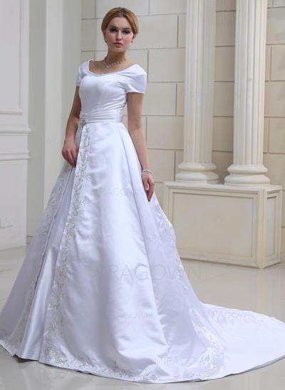 mère décalée des robes de mariée