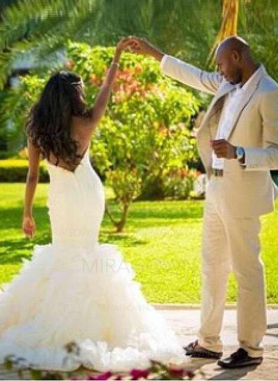 lumière dans la boîte de robes de mariée