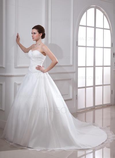 robes de mariée petite pour les mariées plus âgées