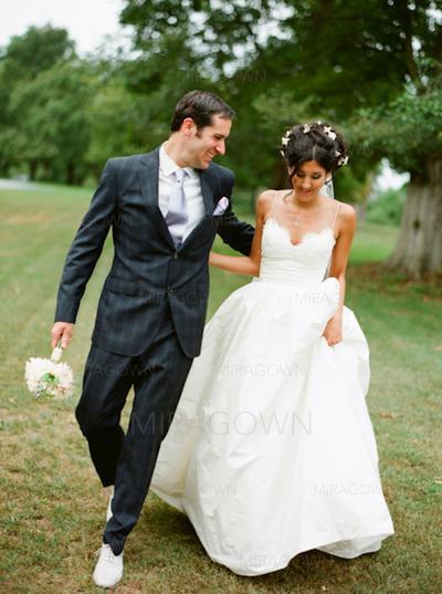 alle hvite brudekjoler