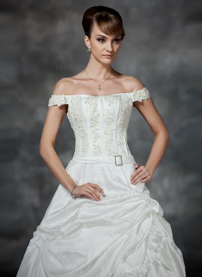 bcbg mère des robes de mariée