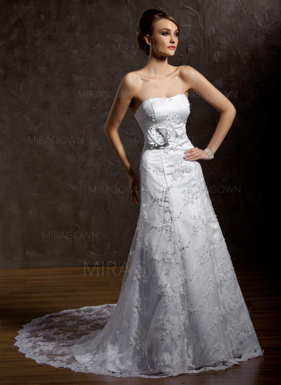 vénus mère des robes de mariée