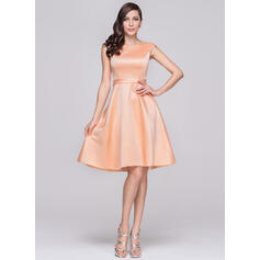 A-formet/Prinsesse Off-the-Shoulder Knelengde Satin Brudepikekjole (007060603)