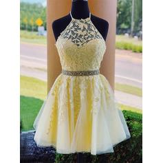 A-Line/Princess Halter Short/Mini Homecoming Dresses With Beading Appliques