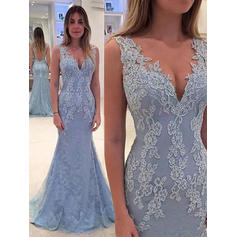 Trumpet/Mermaid V-neck Lace Sleeveless Sweep Train Appliques Lace Evening Dresses