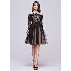 A-Line/Princess Off-the-Shoulder Knee-Length Tulle Lace Homecoming Dresses With Ruffle Bow(s) (022214056)