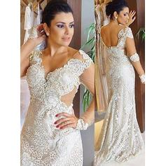 Simple Beading Sheath/Column With Lace Wedding Dresses (002147987)