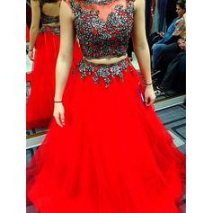 A-Line/Princess Scoop Neck Floor-Length Prom Dresses With Appliques Lace (018218116)