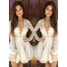 A-Line/Princess V-neck Short/Mini Lace Homecoming Dresses