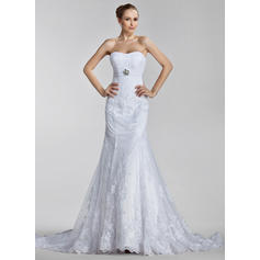 Trumpet/Mermaid Sweetheart Court Train Wedding Dresses With Ruffle Appliques Lace Crystal Brooch (002000637)