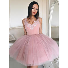 V-neck Ball-Gown Tulle Beautiful Homecoming Dresses