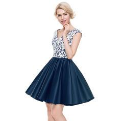 A-Line/Princess V-neck Short/Mini Satin Homecoming Dresses (022214102)