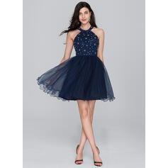 A-Line/Princess Scoop Neck Short/Mini Tulle Cocktail Dress With Beading Sequins (016133081)
