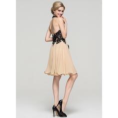 2 stykker korte homecoming kjoler