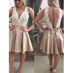 A-Line/Princess V-neck Short/Mini Knee-Length Homecoming Dresses With Lace Beading Appliques Lace
