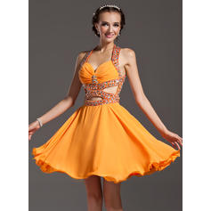 A-Line/Princess Halter Knee-Length Chiffon Homecoming Dresses With Ruffle Beading