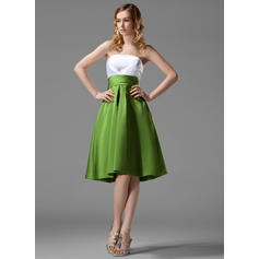 Empire Satin Bridesmaid Dresses Ruffle Strapless Sleeveless Knee-Length (007004122)