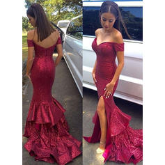 Sequined Sleeveless Trumpet/Mermaid Prom Dresses Off-the-Shoulder Sweep Train