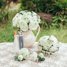 Flower Sets Round Wedding Artificial Silk Big Bouquet Diameter:20cm/Big Bouquet Height:27cm/Small Bouquet Diameter:16cm/Small Bouquet Height:25cm/Big Boutonniere:7cm * 15cm/Small Boutonniere:5cm * 12cm Wedding Flowers