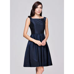 Square Neckline A-Line/Princess Taffeta Sleeveless Bridesmaid Dresses