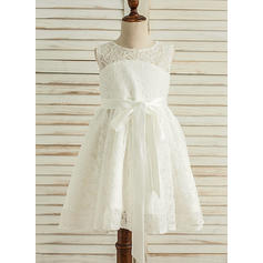 A-Line/Princess Knee-length Flower Girl Dress - Satin/Lace Sleeveless Scoop Neck With Lace/Bow(s)/Back Hole (010117540)
