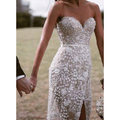 Sweetheart Sheath/Column Wedding Dresses Lace Split Front Sleeveless Sweep Train