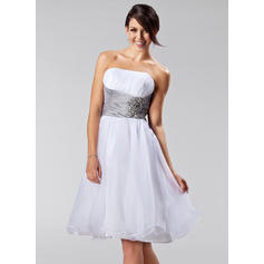 A-Line/Princess Organza Bridesmaid Dresses Ruffle Sash Beading Strapless Sleeveless Knee-Length