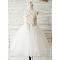 A-Line/Princess Knee-length Flower Girl Dress - Satin/Tulle/Lace Sleeveless Scoop Neck With V Back