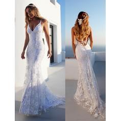 V-neck Trumpet/Mermaid Wedding Dresses Tulle Lace Sleeveless Court Train
