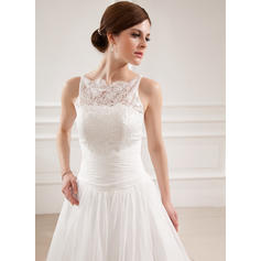 una línea de vestidos de novia