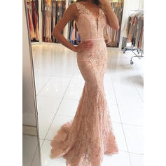 Delicate V-neck Tulle Lace Sweep Train Evening Dresses