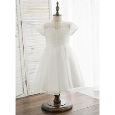 A-Line/Princess Knee-length Flower Girl Dress - Organza/Lace Short Sleeves Scoop Neck