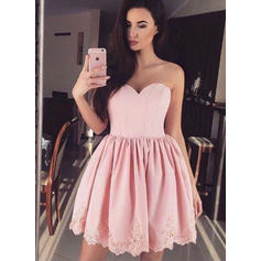 Lace A-Line/Princess Short/Mini Satin Cocktail Dresses