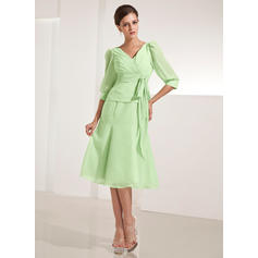 A-Line/Princess Chiffon 3/4 Sleeves V-neck Knee-Length Zipper Up Mother of the Bride Dresses