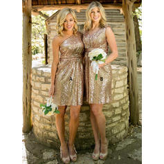 Sequined Sleeveless A-Line/Princess Bridesmaid Dresses One-Shoulder V-neck Knee-Length