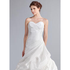mãe elegante de vestidos de noiva