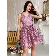 Decote V Vestidos princesa/ Formato A Renda Deslumbrante Vestidos de boas vindas (022212441)
