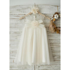A-Line/Princess Knee-length Flower Girl Dress - Tulle Sleeveless Scoop Neck With Flower(s)/Bow(s) (010131718)