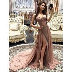 A-Line/Princess Chiffon Prom Dresses Luxurious Court Train Sweetheart Sleeveless (018211721)