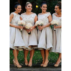A-Line/Princess Satin Lace Bridesmaid Dresses Off-the-Shoulder Sleeveless Knee-Length