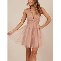 A-Line/Princess Halter Sleeveless Short/Mini Ruffle Bow(s) Homecoming Dresses