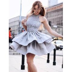 A-Line/Princess Scoop Neck Short/Mini Homecoming Dresses With Ruffle Lace