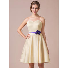 A-Line/Princess Sweetheart Knee-Length Bridesmaid Dresses With Sash Flower(s) (007057749)