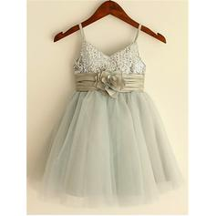 Straps A-Line/Princess Flower Girl Dresses Tulle/Sequined Flower(s) Sleeveless Knee-length