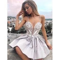 A-Line/Princess Short/Mini Stretch Crepe V-neck Homecoming Dresses