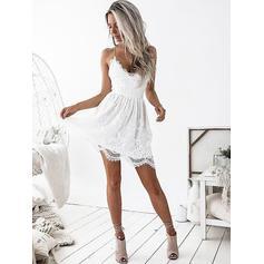 A-Line/Princess Short/Mini Homecoming Dresses V-neck Lace Sleeveless