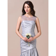 vestido de dama de honor blanco del hombro