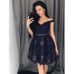 Off-the-ombro Vestidos princesa/ Formato A Renda Moderno Vestidos de boas vindas (022212449)