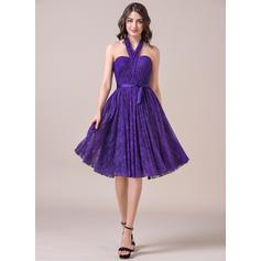 vestido de dama de honor violeta