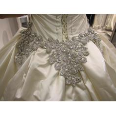 overkommelig brudekjoler